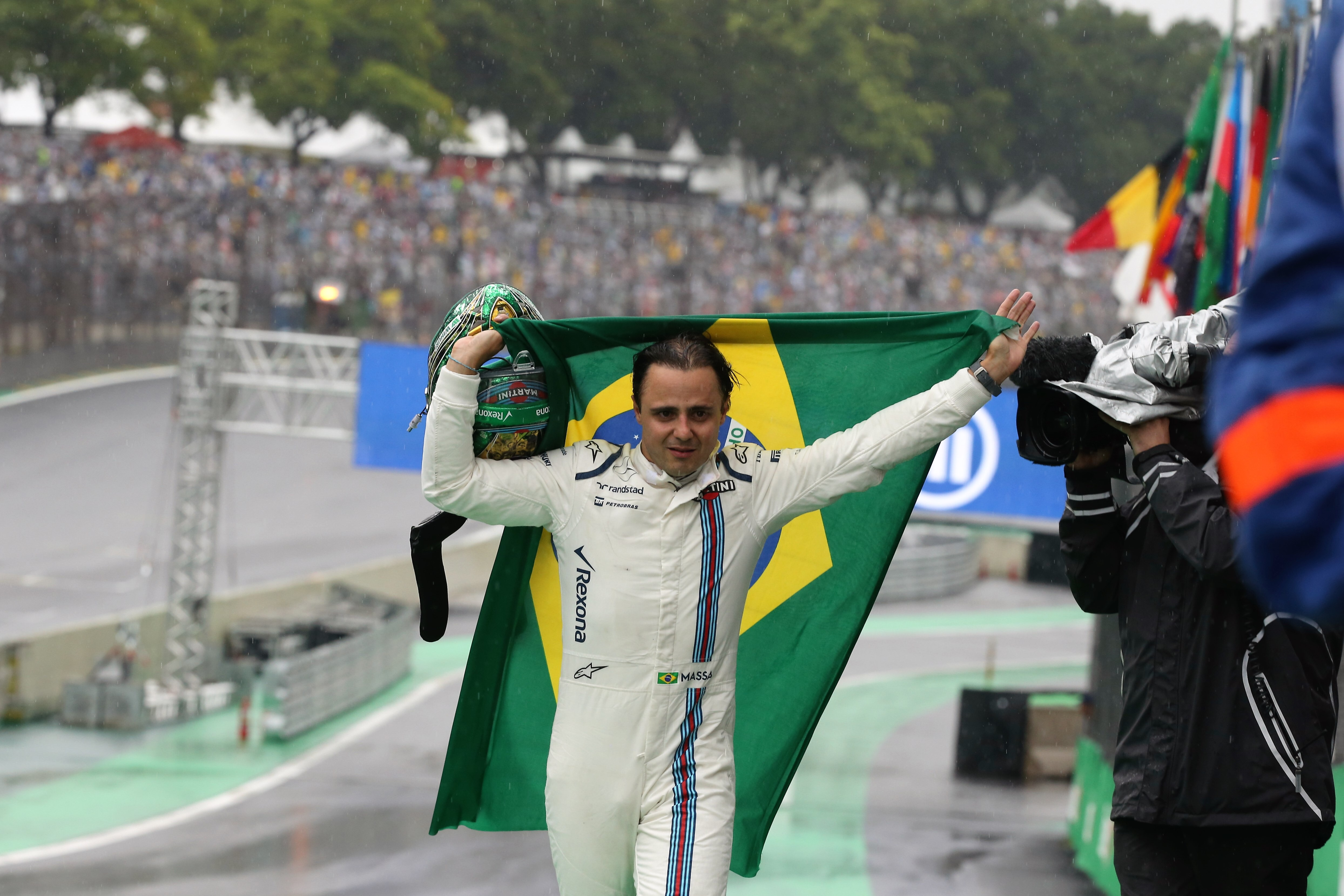Sao Paulo: Hamilton stays in titel race