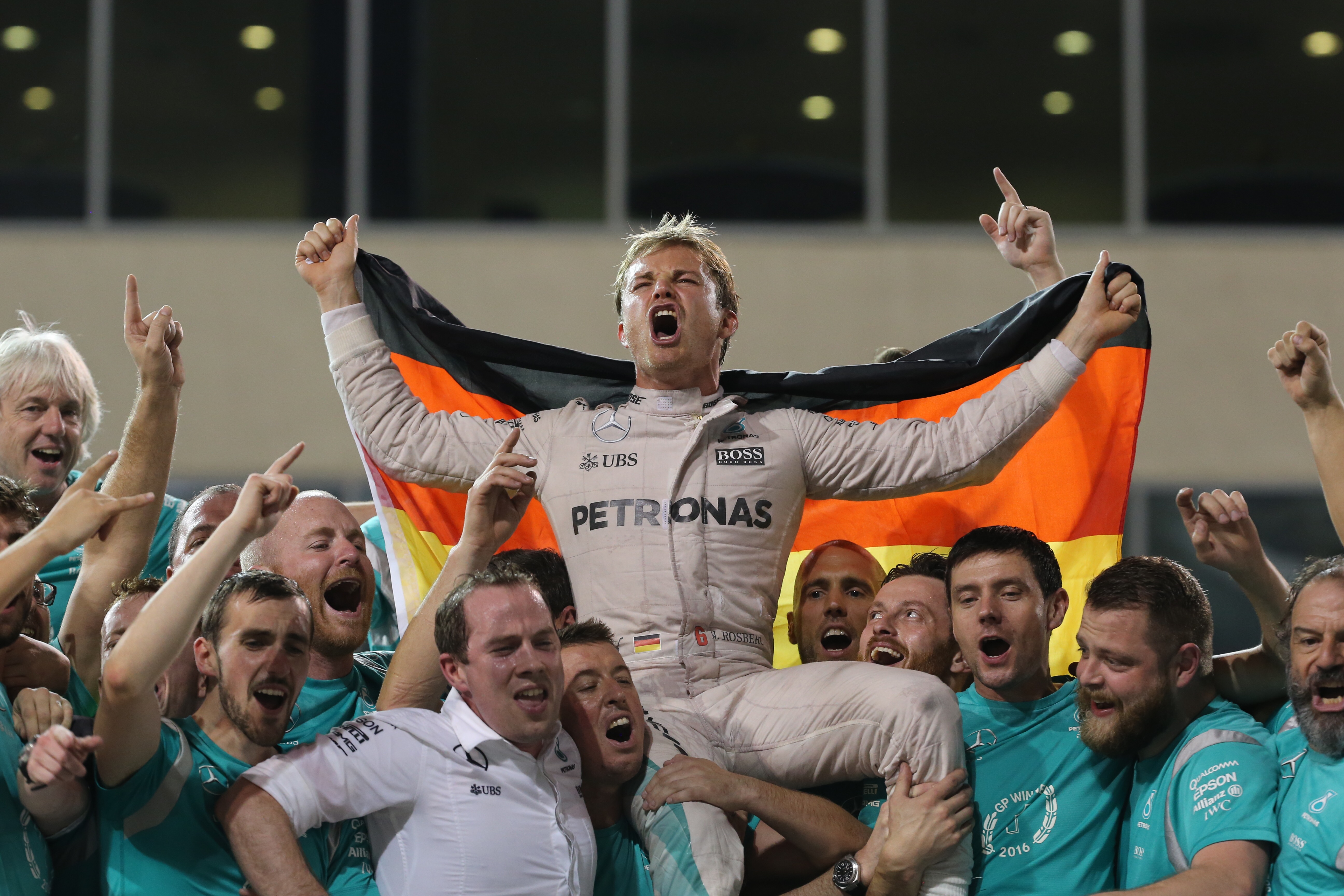 Abu Dhabi: Nico Rosberg wins World Championship