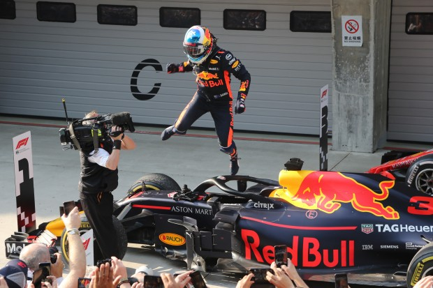 Daniel Ricciardo gets a sensational win in China