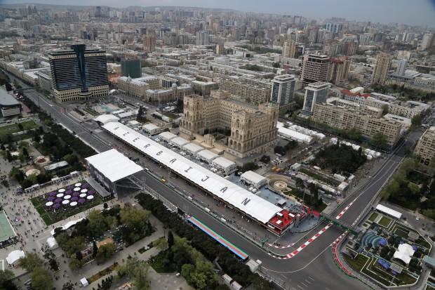 Lucky Lewis Hamilton wins in Baku