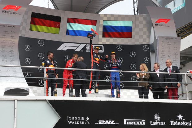 Mäx triumphs in Hockenheim