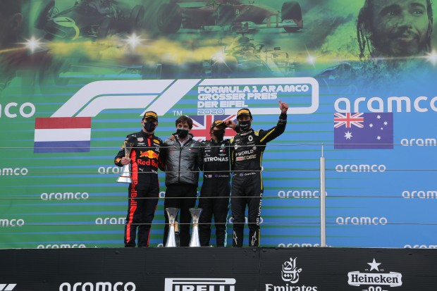 Lewis Hamilton wins 91st GP in the Eifel